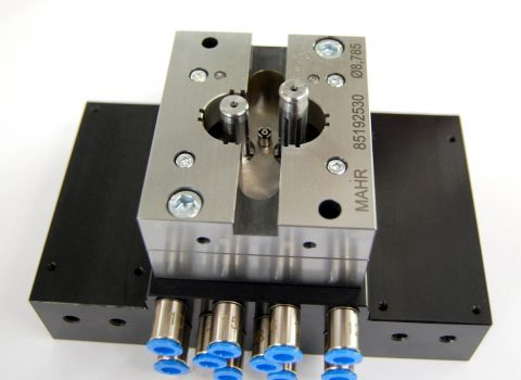 Measuring fixtures and machines